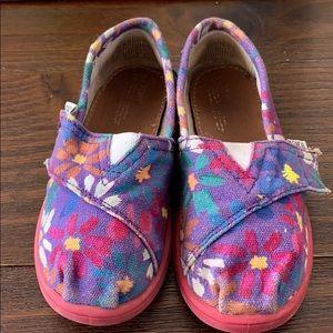 Little girls Toms